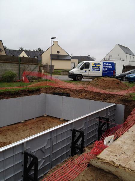 Montage structure for Construction piscine vannes
